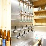10種類以上に及ぶクラフトビールのサーバー